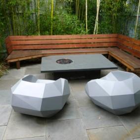 Современная мебель на дачном участке