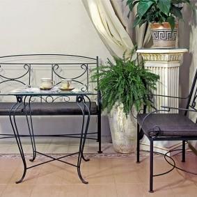 Металлическая мебель с гнутыми ножками