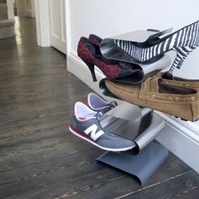Мини-стойка для обуви из листовой стали