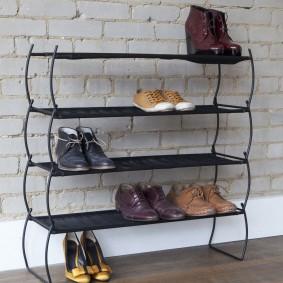 Металлическая этажерка для летней обуви