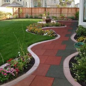 Садовая дорожка из полимерной плитки
