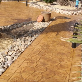 Садовые дорожки под природный камень