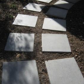 Серая плитка из качественного бетона