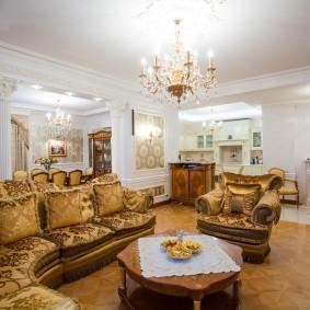 Яркое освещение в комнате с элитной мебелью