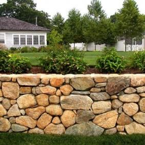 Декоративный забор из натурального камня