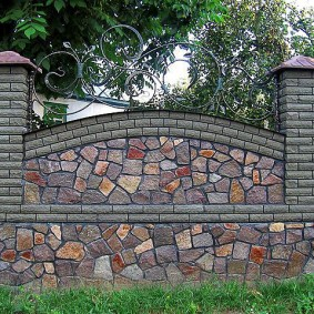 Красивый забор в английском стиле