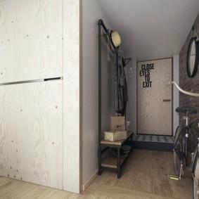 Дверца встроенного шкафа-купе из фанеры