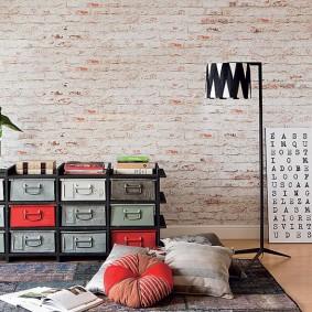 Винтажный комод с разноцветными ящиками