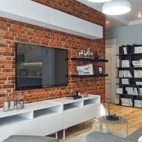Подвесной шкаф над телевизором в гостиной