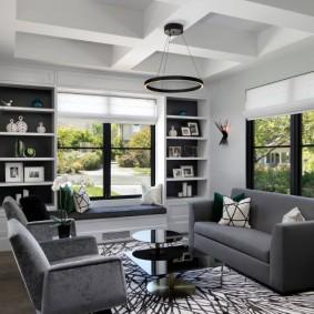 Мягкая мебель с обивкой серого цвета