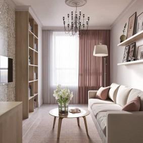 Простые полочки с декорациями над диваном в зале