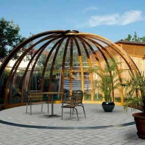 Раздвижной купол из поликарбоната на даче