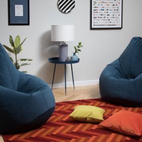 Кресло-мешок темно-синего цвета