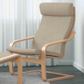 Стильное кресло на каркасе из толстой фанеры