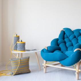 Оригинальное кресло из деревянных веток