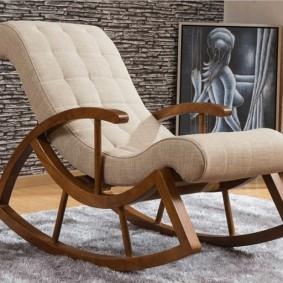 Кресло-качалка в комнате любимой бабушки
