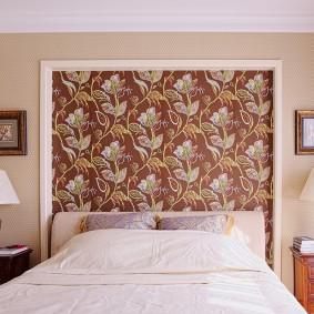 Панно из обоев над кроватью в спальне