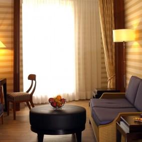 Освещение в гостиной комнате небольшого размера