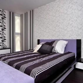 Комбинирование обоев в интерьере небольшой спальни