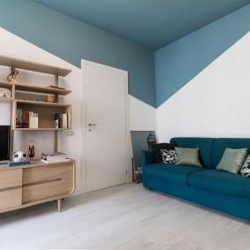 Контрастная отделка интерьера гостиной комнаты