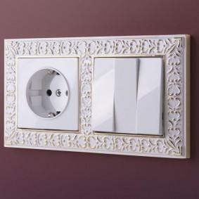 Дизайнерский бок выключателей с розеткой