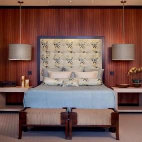 Декоративная отделка стены в спальне