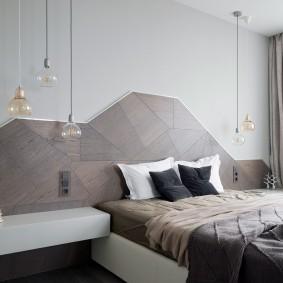 Декорирование стены спальни ламинированными панелями