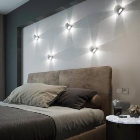 Настенные светильники в спальне родителей