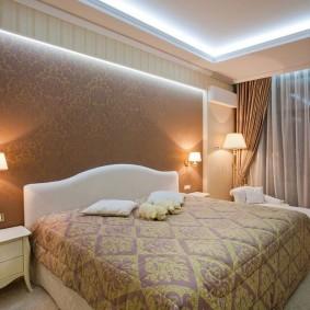 Светодиодная подсветка потолка в спальной комнате