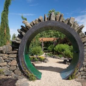 Круглая арка из комбинированных материалов