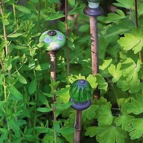 Садовый декор из дверных ручек