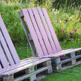 Дачные кресла из деревянных паллетов