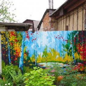 Красивая картина на заборе из шифера