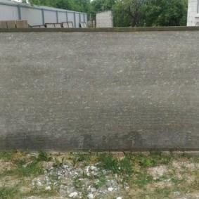 Серый шифер в рамке из стального уголка