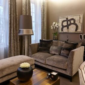 Плотные занавески под диван в гостиной
