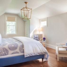 Уютная спальня в светлых тонах
