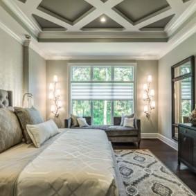 Освещение спальной комнаты в светлых тонах