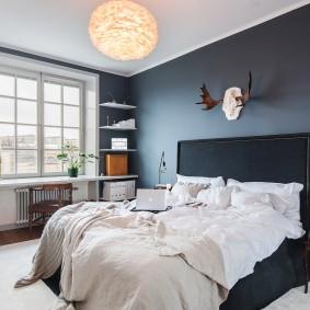 Окраска стен спальни в серые тона