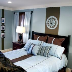 Коричнево-голубая комбинация цветов в спальне