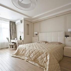Классический интерьер спальной комнаты