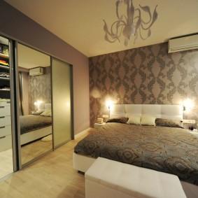 Комфортная спальня с отдельным гардеробом
