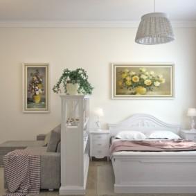Красивые картины в спальне-гостиной