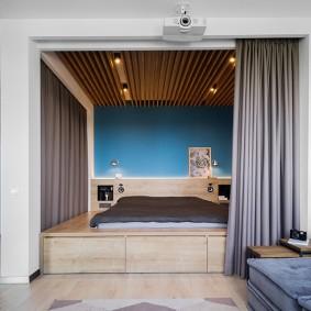 Ниша с кроватью в квартире студии