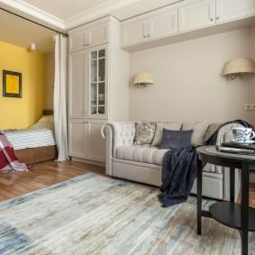 Спальня-гостиная в неоклассическом стиле