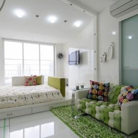 Освещение комнаты с кроватью на подиуме