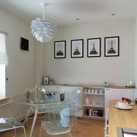 Прозрачная мебель в кухне без подвесных шкафов