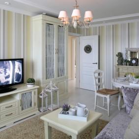 Классическая мебель в кухне-гостиной