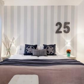 Маленькая спальня со светлыми стенами