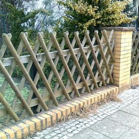 Деревянный забор в стиле ретро