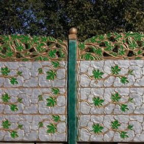 Ручная роспись секции бетонного забора
